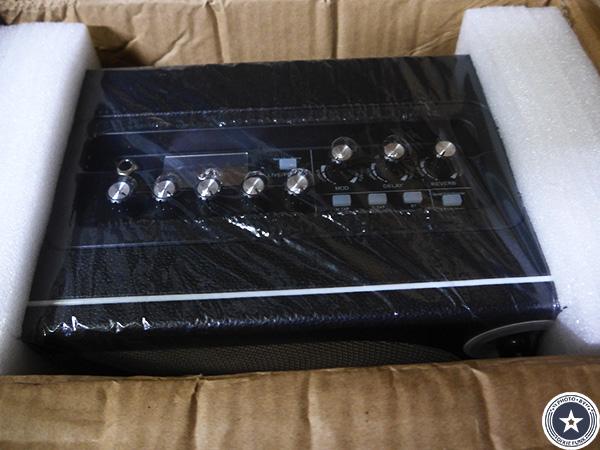 """可愛らしいアンティークなデザインが""""映える""""便利な機能付き小型デジタルギターアンプMOORE HORNET SERIESをご紹介したブログ記事の写真3枚目"""